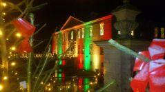 dornumer-schloss-im-weihnachtsglanz
