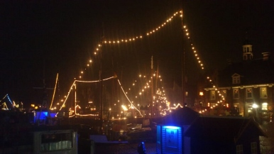 leer-maritim-blaues-licht