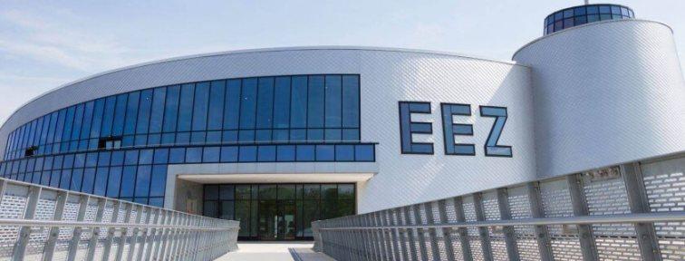 EEZ Eingang Breitbild