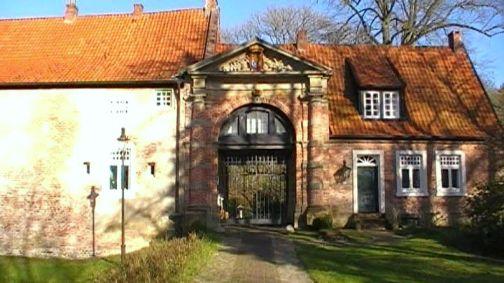 Toreinfahrt Burg Berum