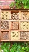 Bienenhotel im Quadrat