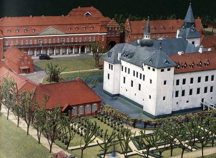 Aurich Schloss Modell 2 fit