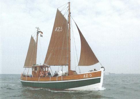 Das öffentliche Museumsschiff des Hauses, der Kutter GEBRÜDER AZ:5.