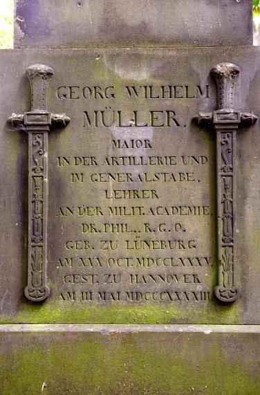 Georg_Wilhelm_Müller_(1785-1843)_Grabmal_Obelisk_Gartenfriedhof_Hannover_(2)